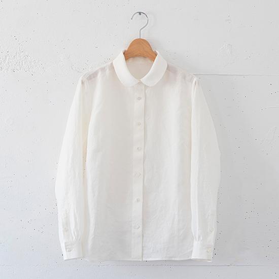 丸えりのリネンシャツ